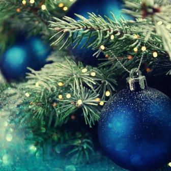 Медицинские работники района поздравляют вас с наступающим Новым годом