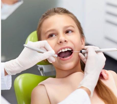"""Стоматологическая клиника """"KAMELOT DENT"""""""