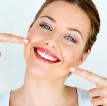 Чистка зубов + лечение десен всего за 49 900 тг