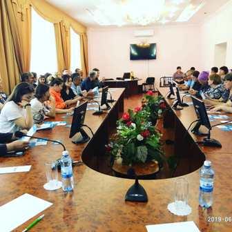 Встреча представителей предвыборной компании Кандидата в Президенты РК Касым-Жомарта Токаева с медработниками больницы