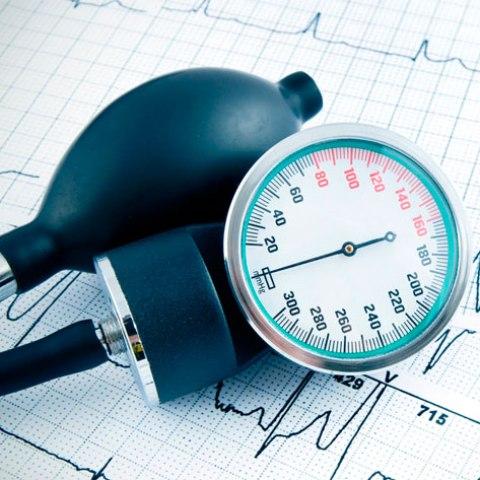 Артериальная гипертензия: как пройти обследование в поликлинике?