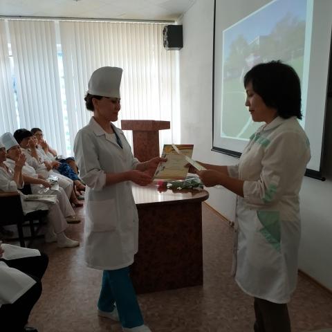 Торжественное собрание в честь Международного дня медицинской сестры и акушерки