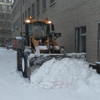 В ГБ №4 активно проводятся снегоуборочные работы