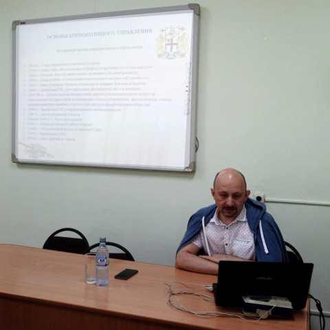 Главный врач городской больницы №4 посетил ЦРБ района Алтай