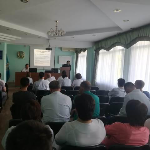 Прошел семинар среди медицинских работников в НИИТО