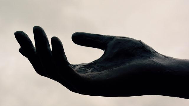 Почему дрожат руки и как с этим бороться