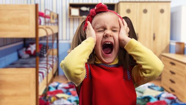 Истерика у ребенка: что делать
